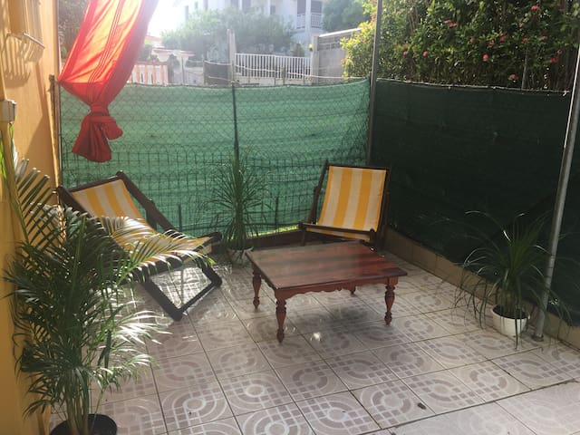 Spacious Unit 2 rooms & Terrasse in Fort-de-France