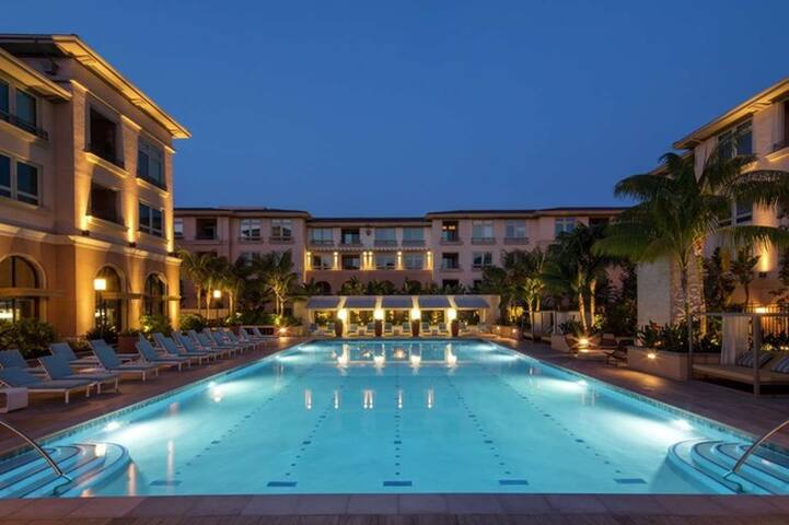 Resort style home in Playa Vista