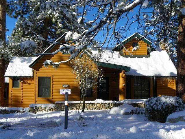 The Lake House - Pool table and hot tub! - Big Bear Lake - Huis
