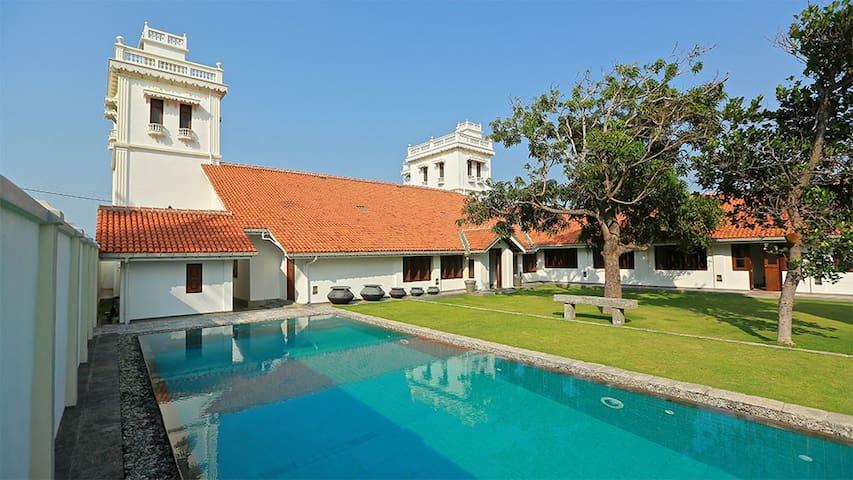 6 Bedroom Colonial Style Villa