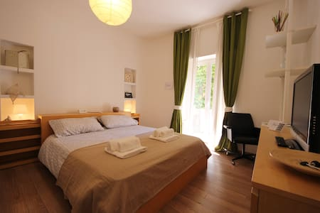 Fibonacci B&B Roma - Rom - Bed & Breakfast