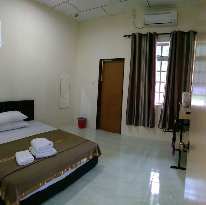 Rooms: Budget Double Room Free Wifi