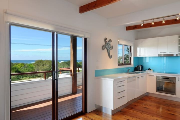 Ocean Spray, Beach House - Werri Beach - Casa