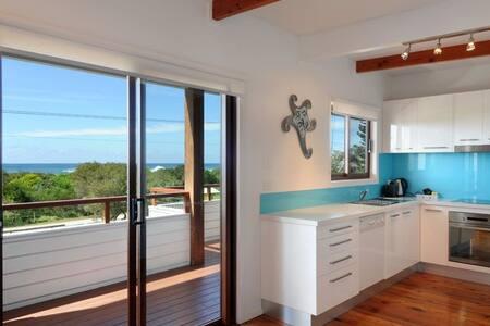 Ocean Spray, Beach House - Werri Beach