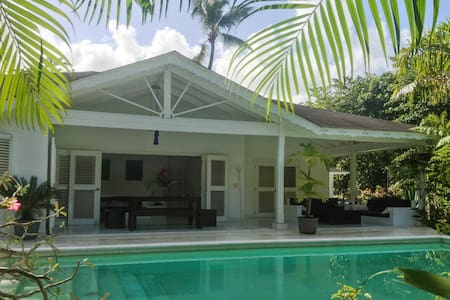 Tropical villa w/ a swimming pool - Las Terrenas