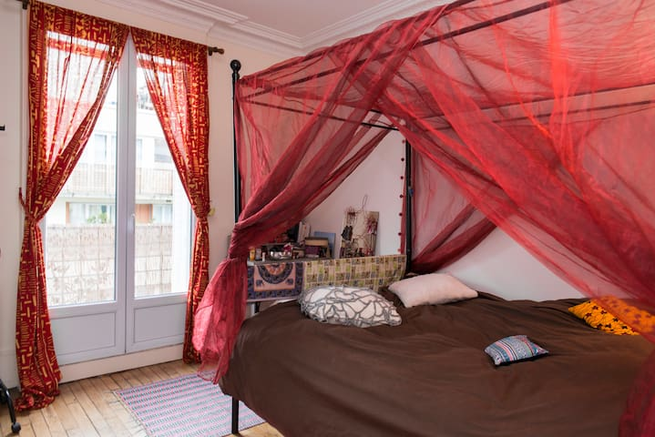 Jolies chambre et terrasse à la Butte-Aux-Cailles