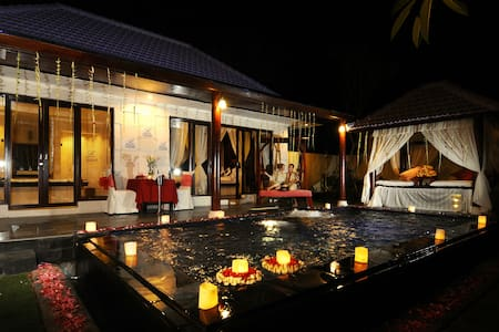 AMAZING PRIVATE POOL VILLA - Kuta
