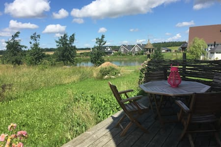 Hyggelig villa i økolandsbyen Hallingelille - Villa