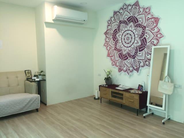 5mins Shilin MRT Station | Quiet Peaceful House