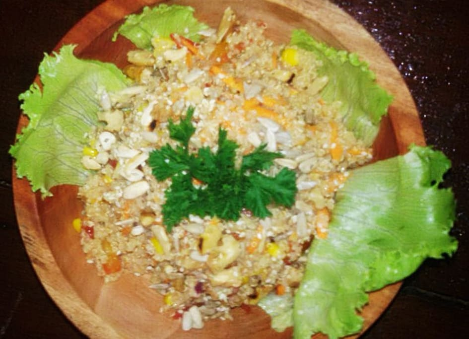 KECINAN (Quinoa, weet corn, coriander, onion, lime juice, red paprika, tomato, walnut.