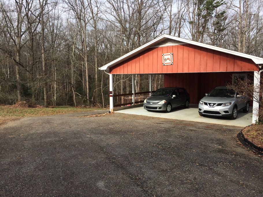 Carport and upper level are not part of Airbnb. Follow the paved drive to the back paved parking area.