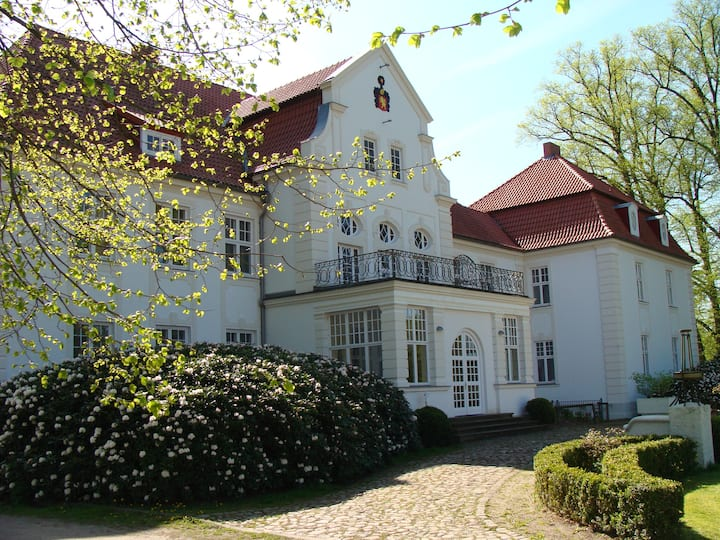Great apartment at Schloss Badow