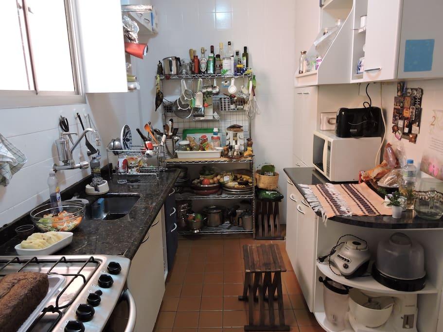 Cozinha disponível para uso