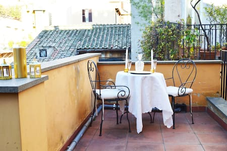 RBH, Piazza di Spagna with terrace - House