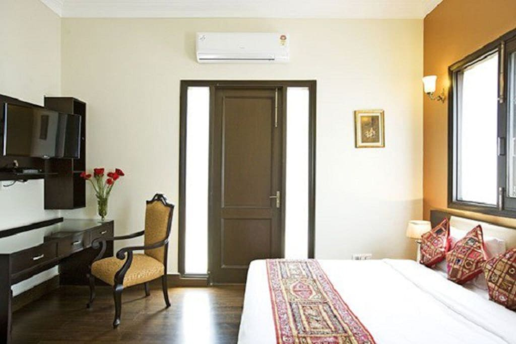 Fully Air-Conditioned Luxurious Bedrooms