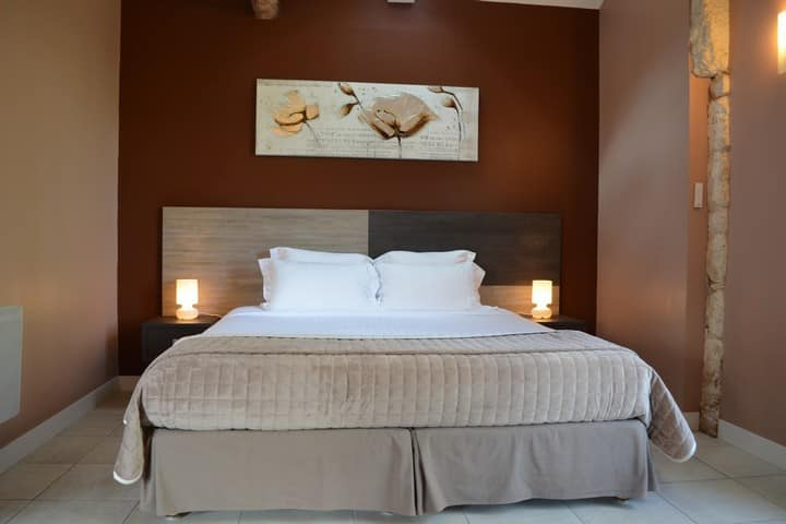 Luxury and charm POMEROL Suite
