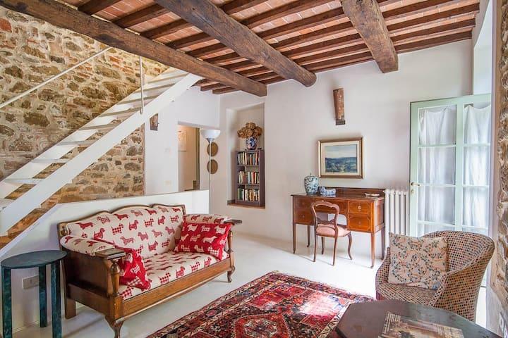 """"""" Il Bracconiere """" a Chianti country home"""