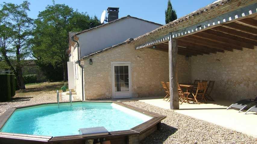 LES JOURDIS guesthouse +  pool