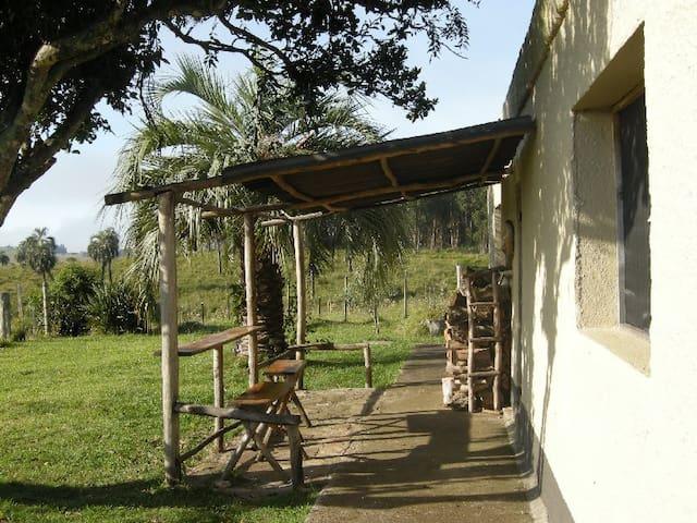 Super views at a little farm! - Castillos - Rumah