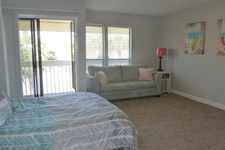 Ocean View Condo, Free Parking, Pool, Tennis, Golf - Destin - Condominium