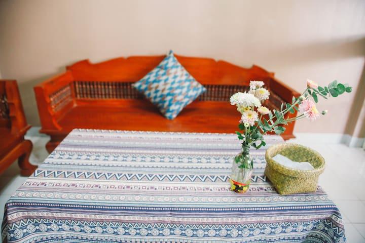 Cozy Air-con room between downtown & NimmanRd - Su Thep - Villa