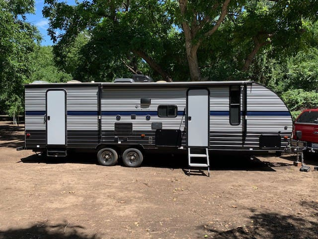 Luxury 31' Travel trailer delivered to you!