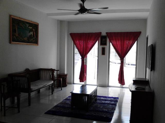 HOMESTAY DAFFA - Nilai - Townhouse
