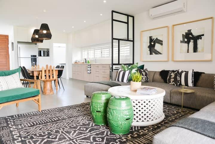 Stylish modern ballito holiday home zimbali wedge