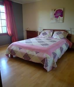 Nuitées chez l'habitant en chambres d'hotes - Pons - Rumah Tamu