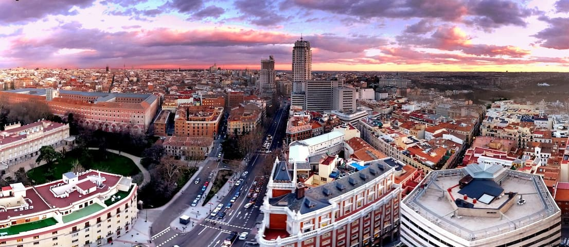 Amazing Skyline view 20th floor - Madrid