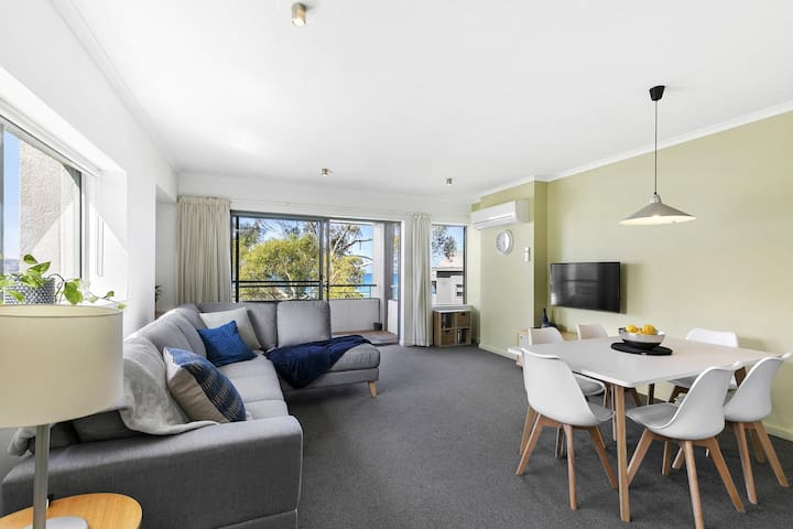 Grange 235 - Lorne Holiday Stays#