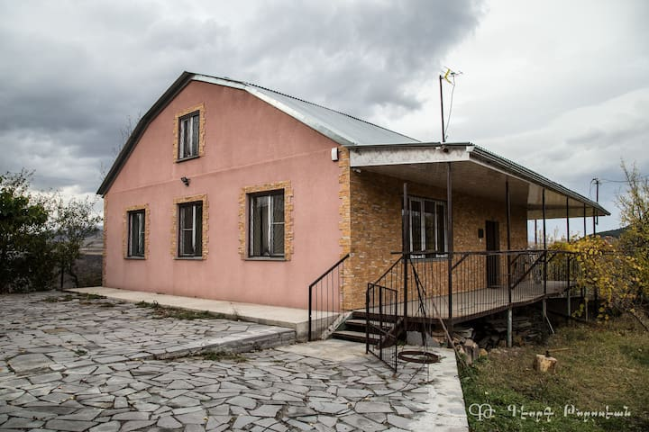 Airbnb Dsegh Vacation Rentals Places To Stay Lori