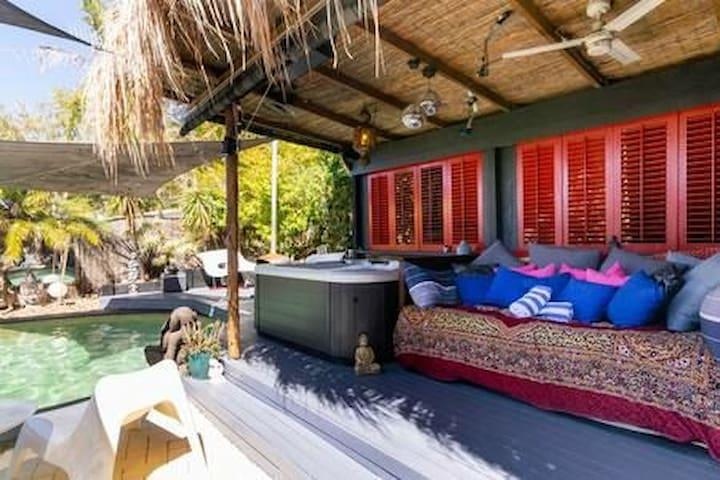 Crystal Waters Bali Hut