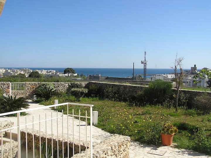 Otranto Villino vista mare con giardino