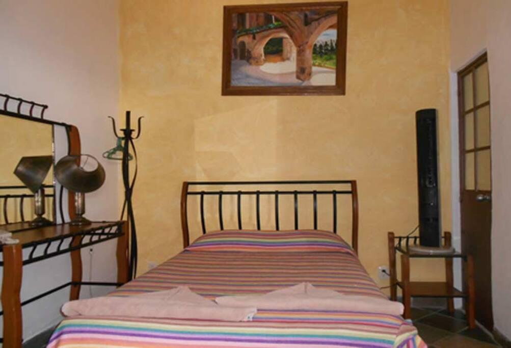 Single Room  $474 pesos x night