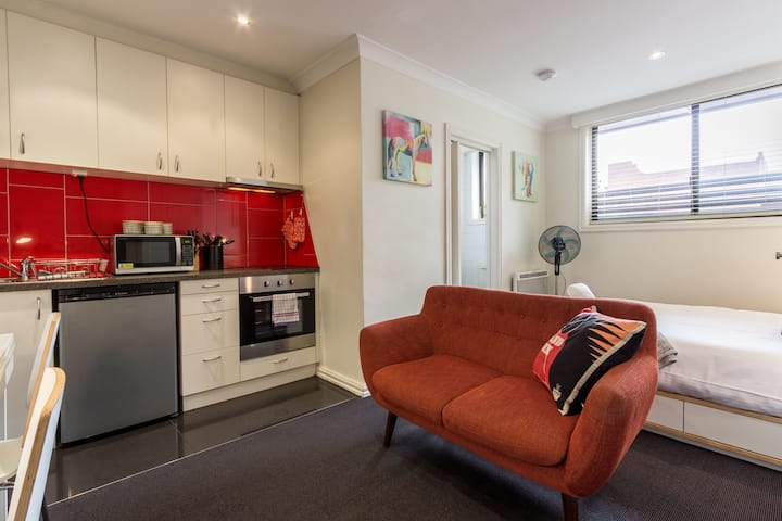 Studio Apartment in the heart of Fitzroy