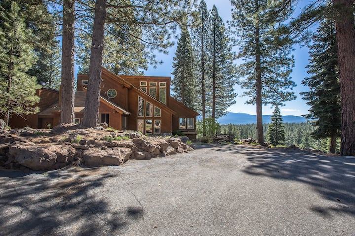 Hilltop Vistas 7acres Minutes from Town of Truckee