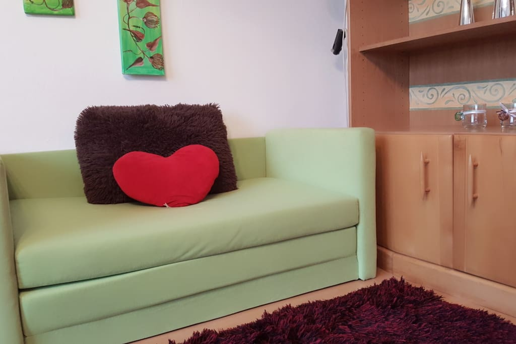 sleeping sofa in the living room / Schlafsofa im Wohnzimmer