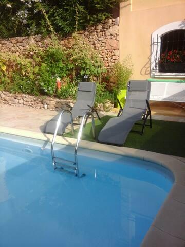 Maison avec piscine privée au coeur du var