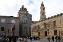 Plaza de San Bruno y La Seo a 5 minutos