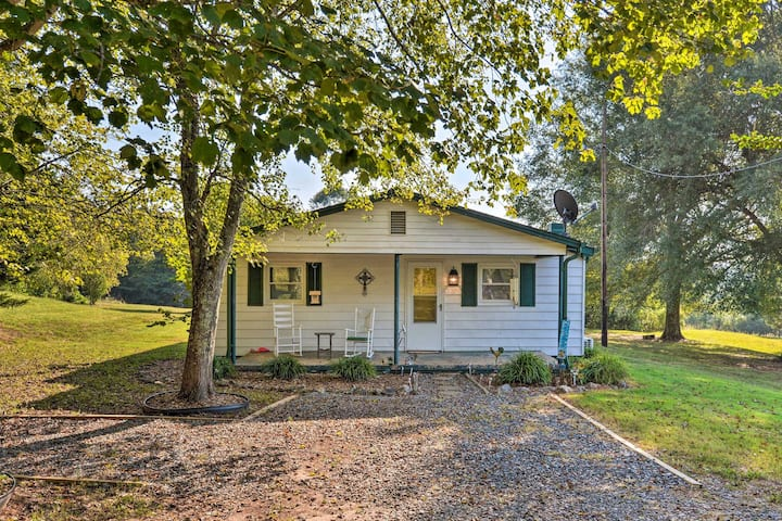 NEW! Pet-Friendly Vale Home w/Large Yard+Fire Pit!