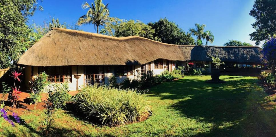 Private Self Catering Thatch KZN Elephant Coast