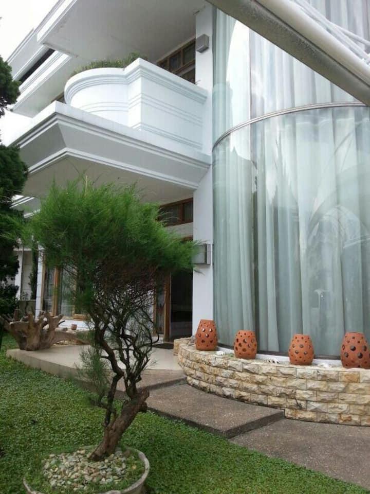 Ciumbuleuit Villas for big group