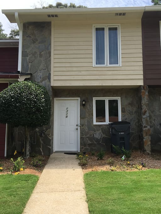 2 bed 2 5 bath townhouse near new braves stadium townhouses for rent in smyrna georgia for Save big mattress bedrooms smyrna ga