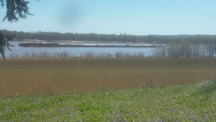 Elizabethtown, Ohio River view