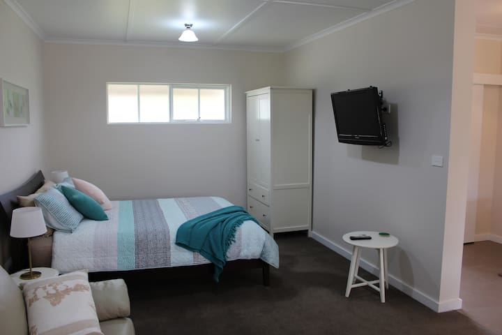 Picturesque Studio Apartment on the Surf Coast - Mount Duneed - Apartamento