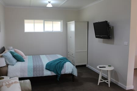 Picturesque Studio Apartment on the Surf Coast - Mount Duneed