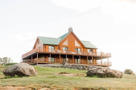 Pat's Cabin at Mt. Moosilauke - 300 hilltop acres