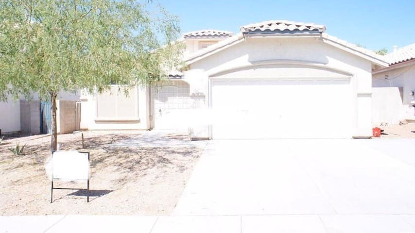 Las Vegas home 15 mins from the strip