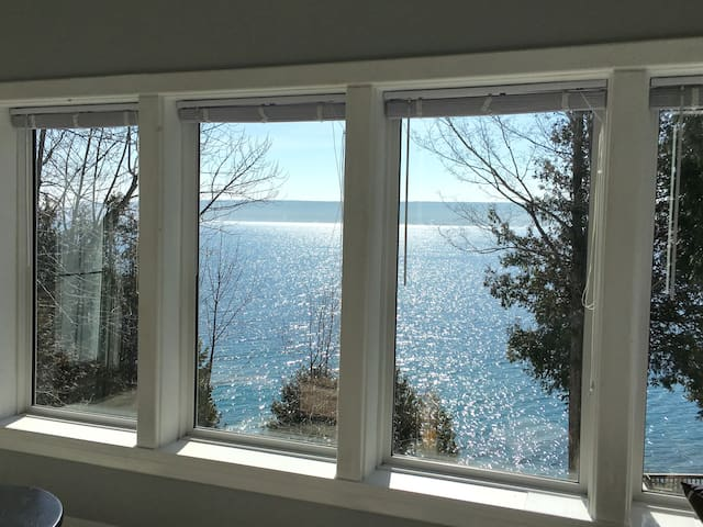 Fantastic Views of Georgian Bay Apartment sleeps 4 - Wiarton - 公寓